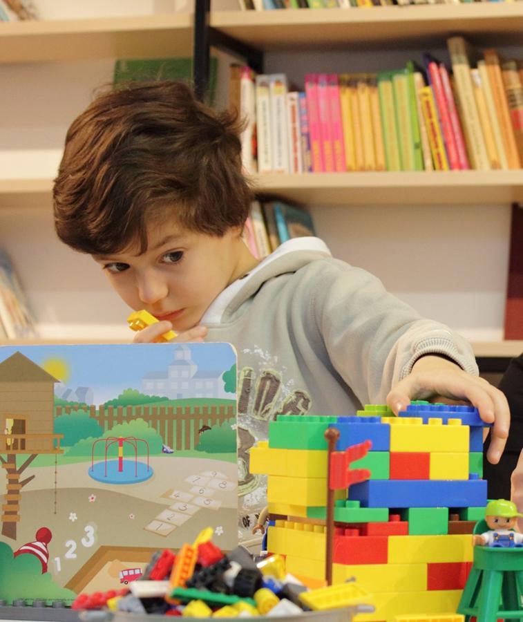 Klocki lego łączą w sobie zabawę i naukę oraz kreatywnie rozwijają