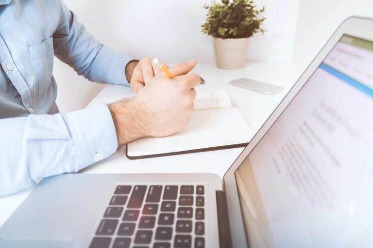 Wyróżnianie się w tłumie blogów: porady ekspertów