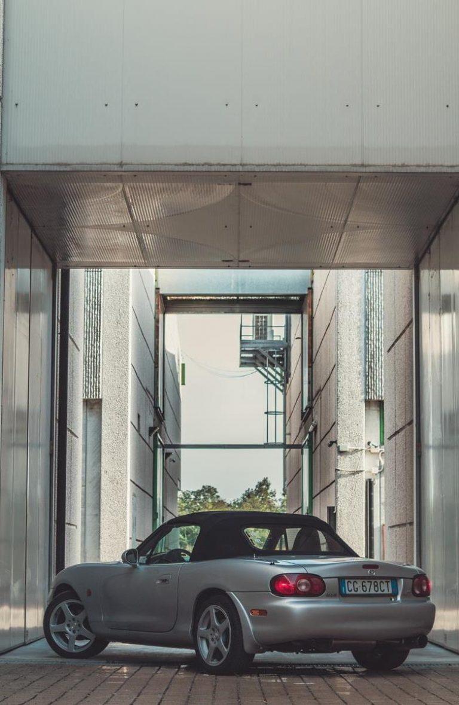 Folia to najlepszy sposób na ochronę lakieru samochodowego